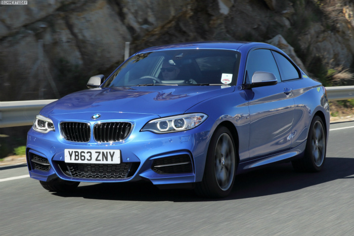 BMW-M235i-Estorilblau-2er-F22-Coupe-Estoril-Blue-02