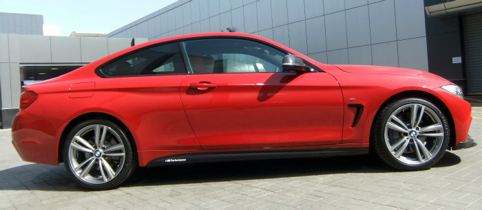 BMW-4er-F32-Tuning-M-Performance-Zubehoer-435i-Coupe-rot-01