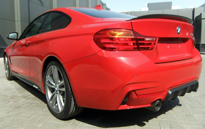BMW-4er-F32-Tuning-M-Performance-Zubehoer-435i-Coupe-rot-09