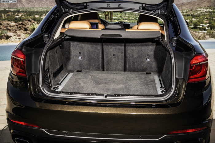 2014-BMW-X6-F16-Kofferraum-Rueckbank-umgeklappt-01