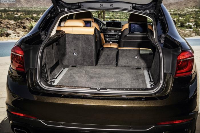 2014-BMW-X6-F16-Kofferraum-Rueckbank-umgeklappt-03