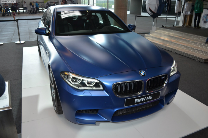 BMW-M5-F10-LCI-Competition-Paket-Frozen-Blue-N24h-2014-011