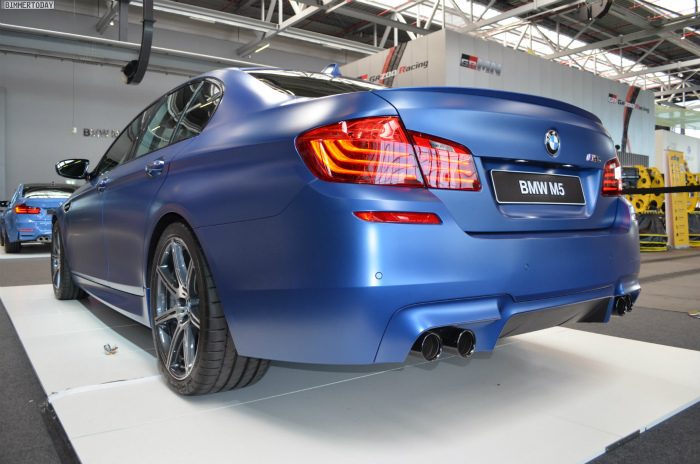 BMW-M5-F10-LCI-Competition-Paket-Frozen-Blue-N24h-2014-04