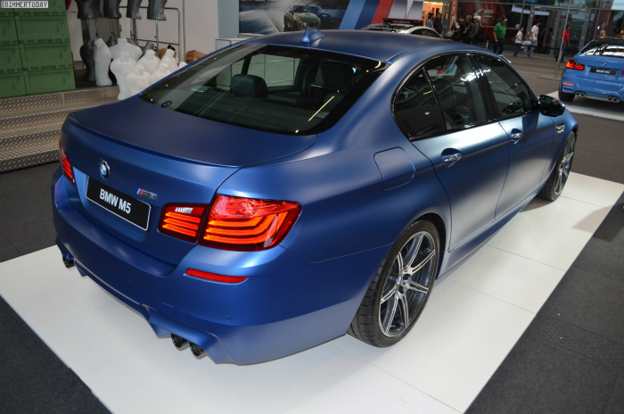 BMW-M5-F10-LCI-Competition-Paket-Frozen-Blue-N24h-2014-06