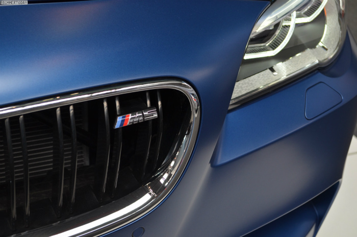 BMW-M5-F10-LCI-Competition-Paket-Frozen-Blue-N24h-2014-08