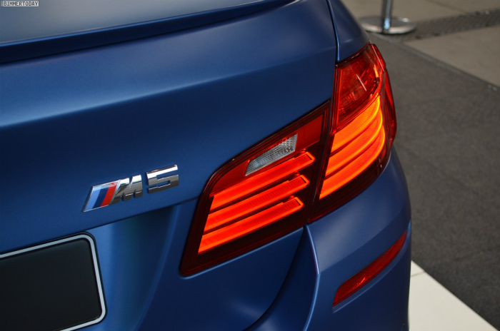 BMW-M5-F10-LCI-Competition-Paket-Frozen-Blue-N24h-2014-12