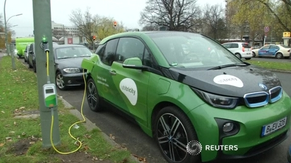 Lamp post electric gives cars a boost
