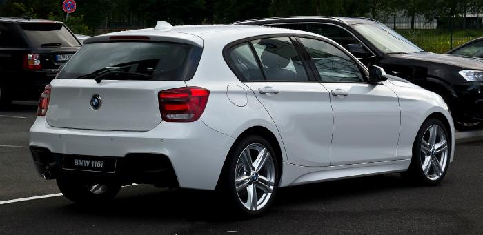 BMW_116i_M-Sportpaket_(F20)_–_Heckansicht,_24._Juni_2012,_Düsseldorf