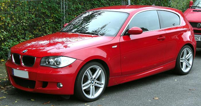 BMW_1er_M-Sportpaket_Facelift_front_20091011
