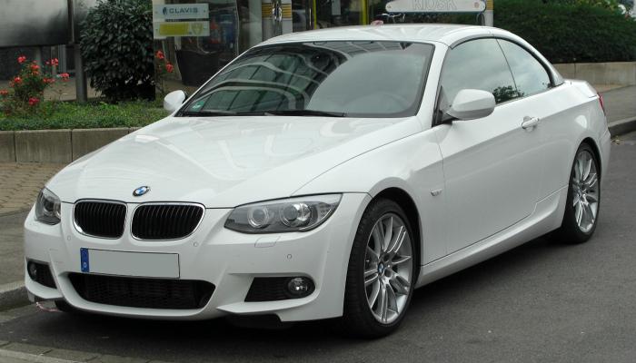 BMW_320d_Cabriolet_M-Sportpaket_(E93)_Facelift_front_20100919