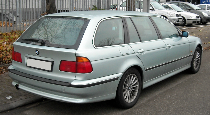 BMW_E39_Touring_rear_20081125