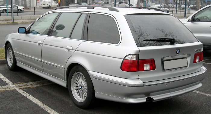 BMW_E39_Touring_rear_20090204