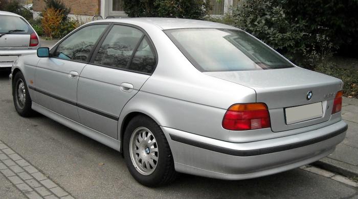 BMW_E39_rear_20081125