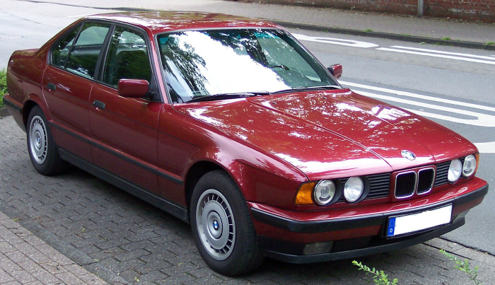 BMW_Series_5_Old_Model_red_vr