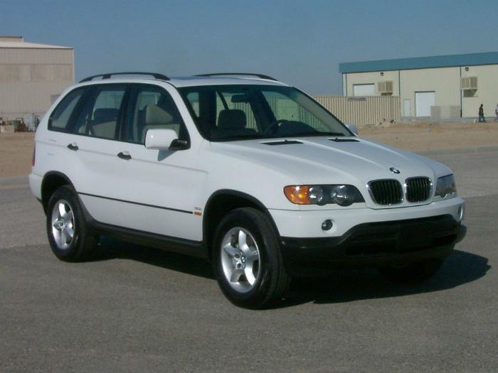 1024px-2003_BMW_X5_3.0i_--_NHTSA_01