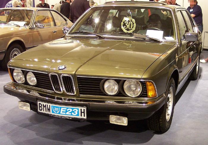 1024px-BMW_E23_vl_green_TCE