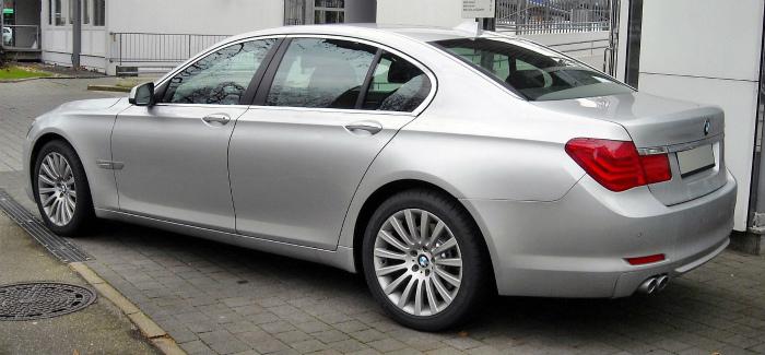 BMW_F01_rear_20081213