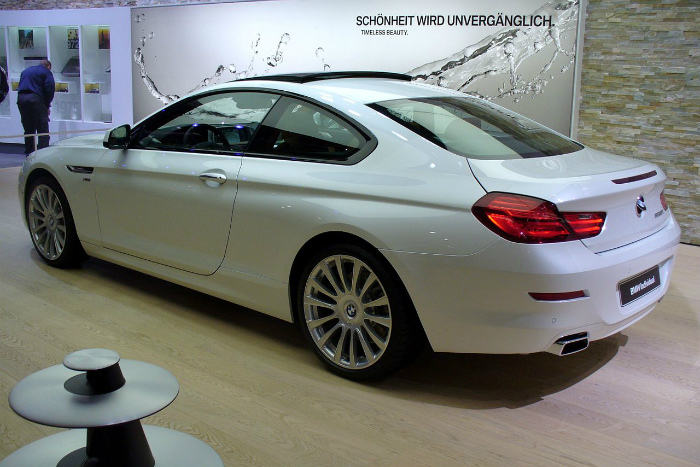 1280px-BMW_F13_650i_xDrive_Coupé_Individual_IAA_2011_Heck