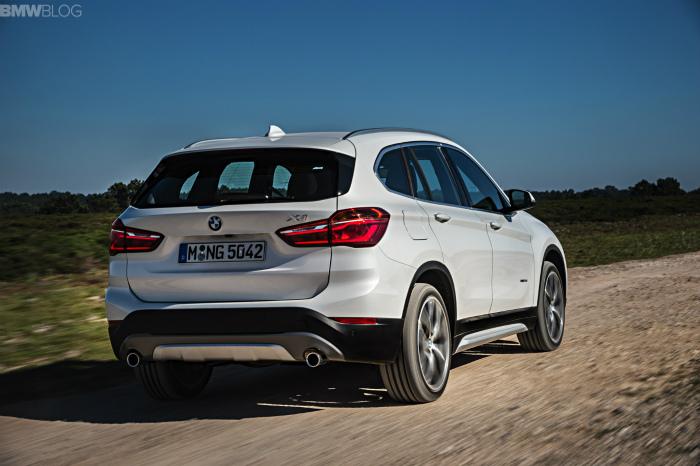 2016-BMW-X1-exterior-1900x1200-images-03
