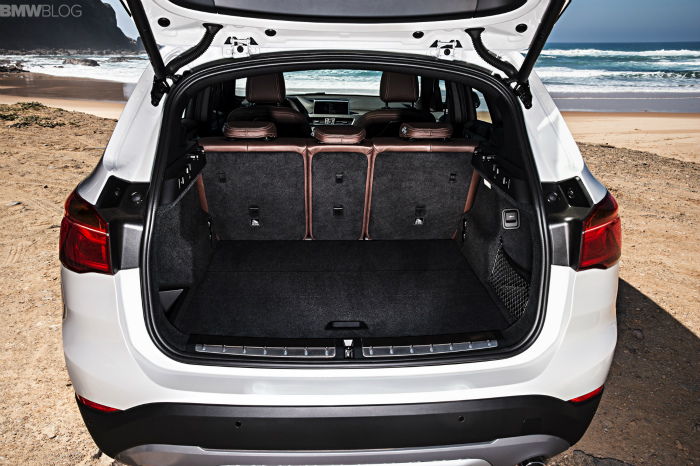 2016-BMW-X1-exterior-1900x1200-images-28