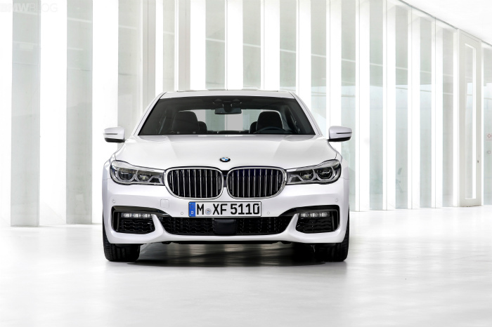 2016-bmw-7-series-M-Sport-Package-images-1900x1200-13