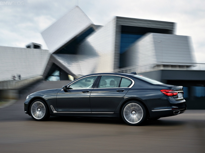 2016-bmw-7-series-exterior-images-1900x1200-04