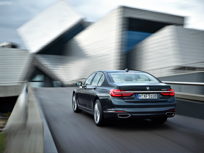 2016-bmw-7-series-exterior-images-1900x1200-05