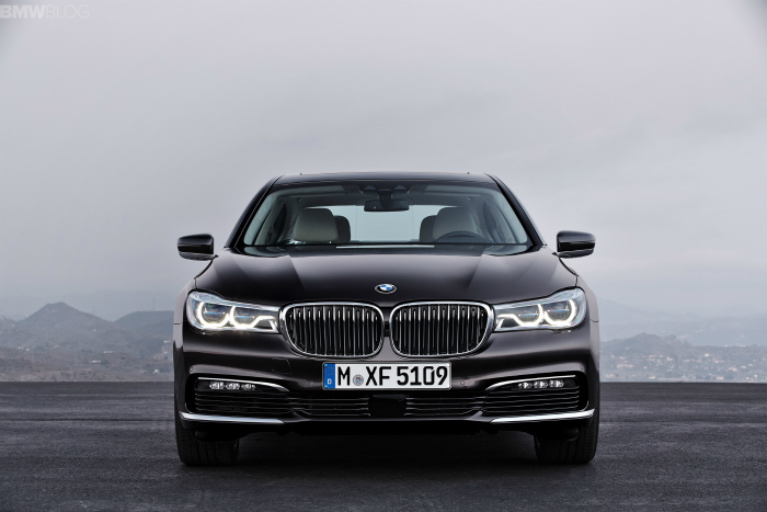 2016-bmw-7-series-exterior-images-1900x1200-10