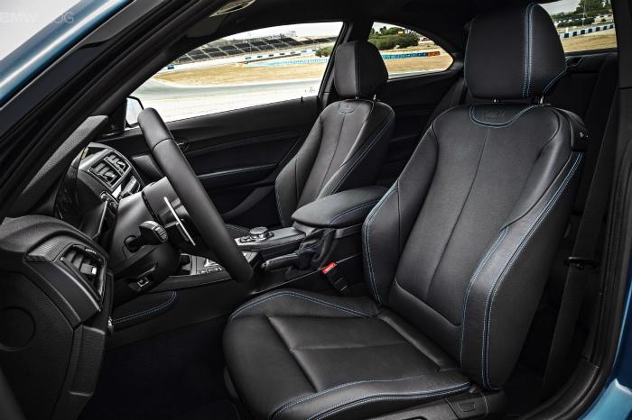 BMW-M2-interior-03