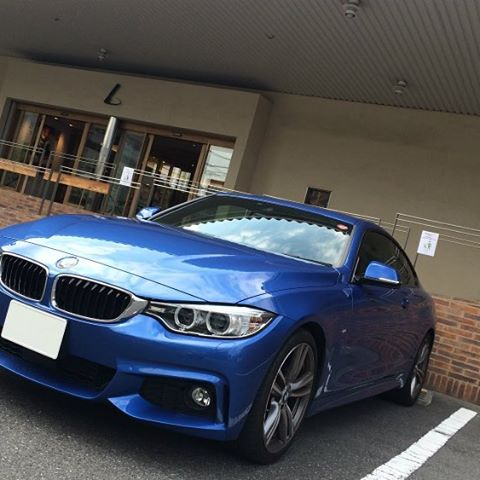 土屋鞄製造所本店で記念撮影。 #土屋鞄 #bmw #f32 #msport #bimmer #bmwlove #estorilblue #bmwcoupe - [Instagram]